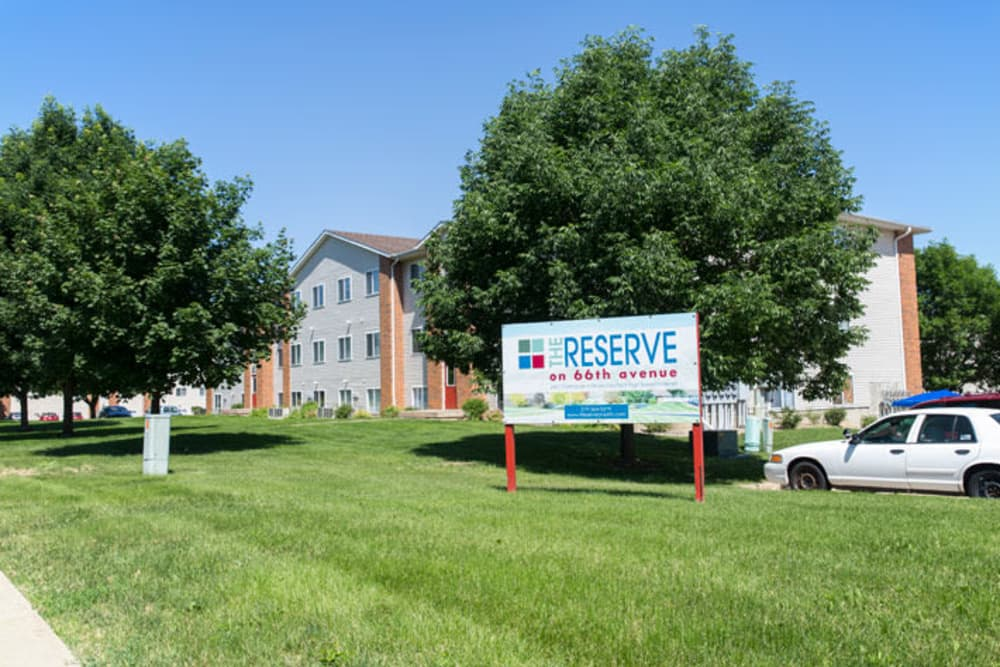 Building exterior and main sign at Reserve at Kirkwood in Cedar Rapids, Iowa
