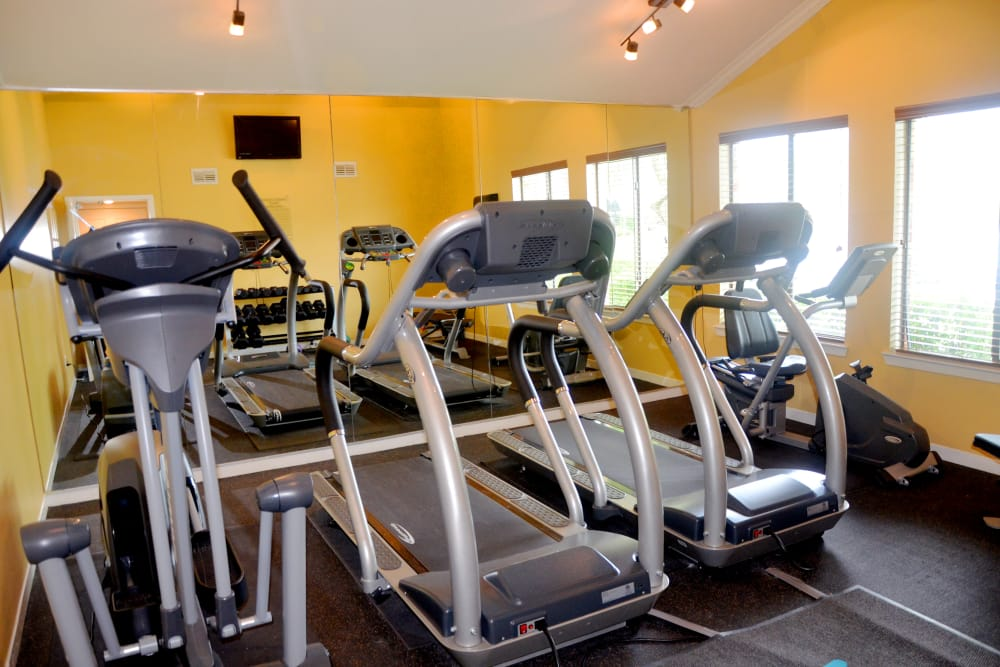 Onsite fitness center at The Belmont in Grand Prairie, Texas