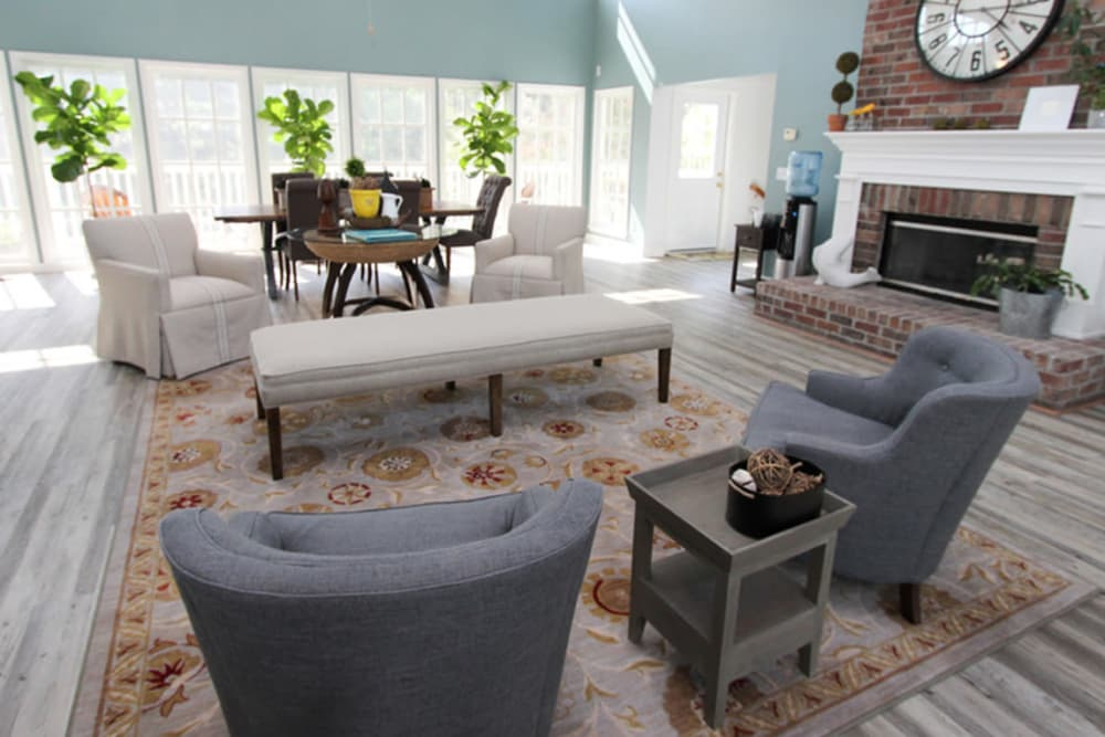 Living room at North Park at Eagle's Landing in Stockbridge, Georgia
