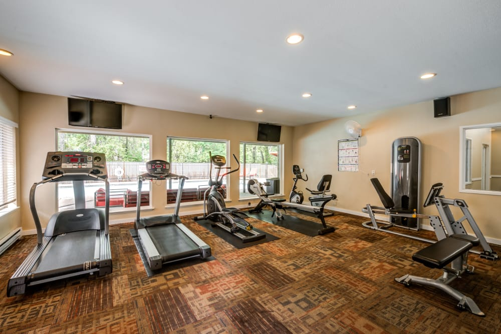 Fully equipped fitness center at Chestnut Hills Apartments