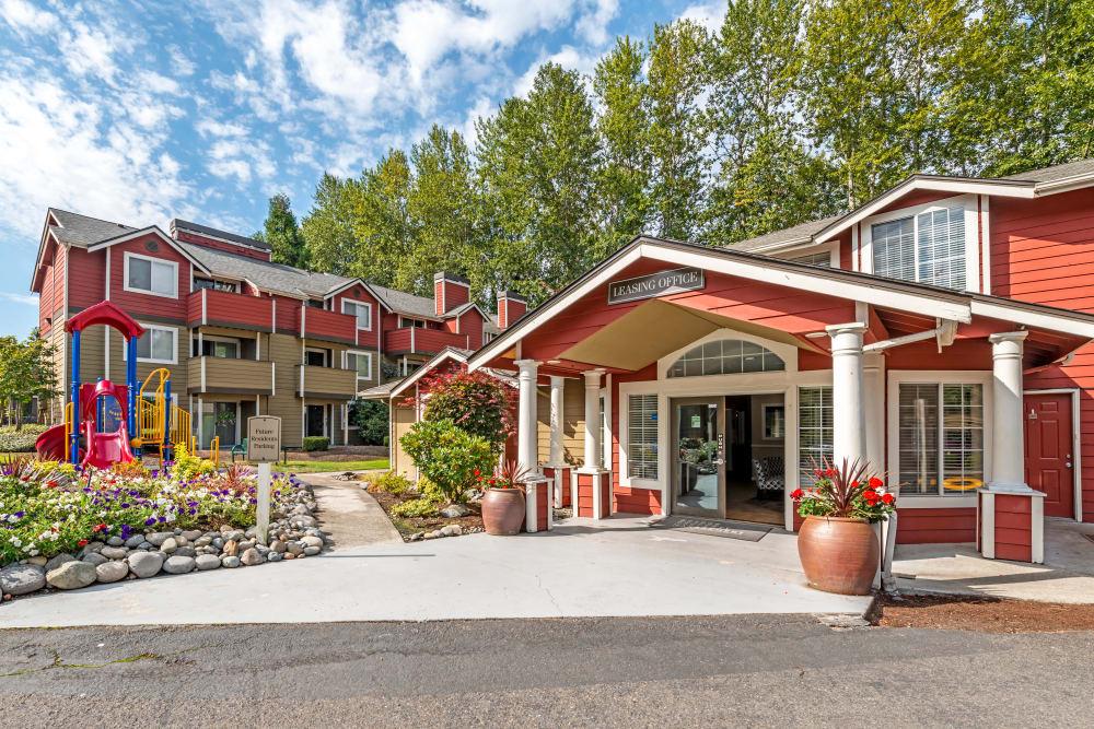 Chestnut Hills Apartments tenant building exterior