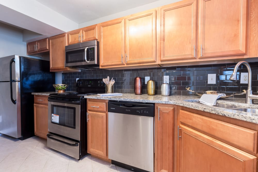 State-of-the-art kitchen at The Ashford Apartment Homes in Brookhaven, Georgia