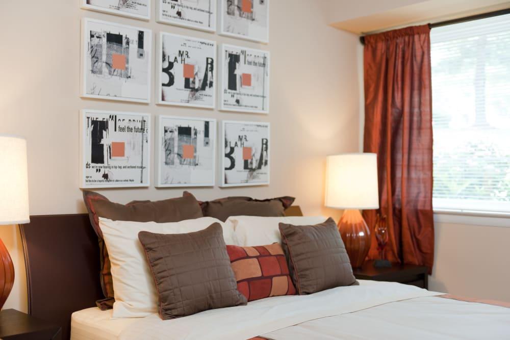 Spacious bedroom at Bennington Crossings Apartment Homes in Alexandria, Virginia