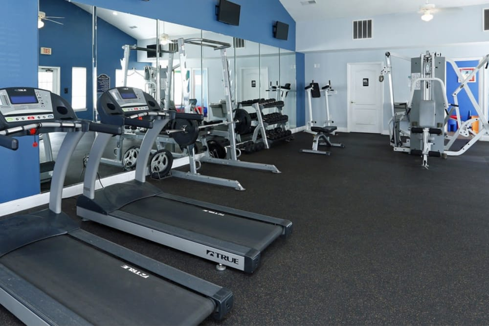 Park at Clearwater offers a fitness center in Aberdeen, North Carolina