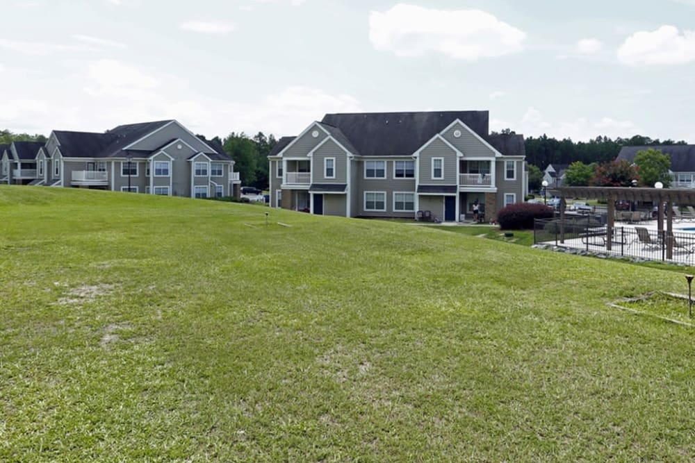 Park at Clearwater offers a spacious outdoors in Aberdeen, North Carolina