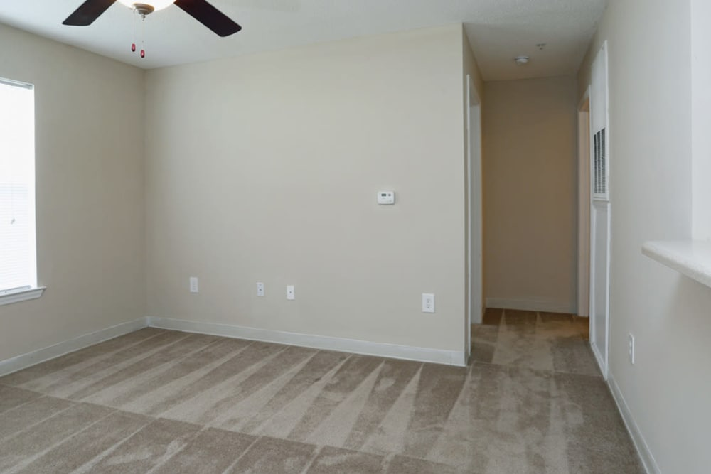 Spacious rooms at Park at Clearwater in Aberdeen, North Carolina