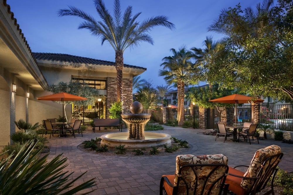 Comfortable seating outside around the gorgeous fountain at San Travesia in Scottsdale, Arizona