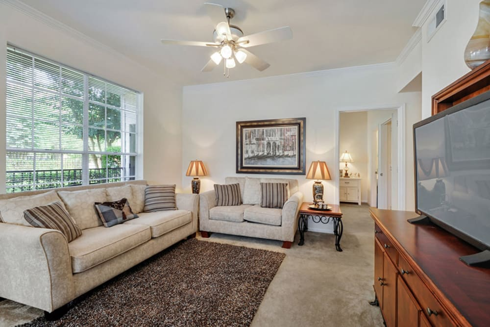 Living room at Plantation Apartments in Gulfport, Mississippi