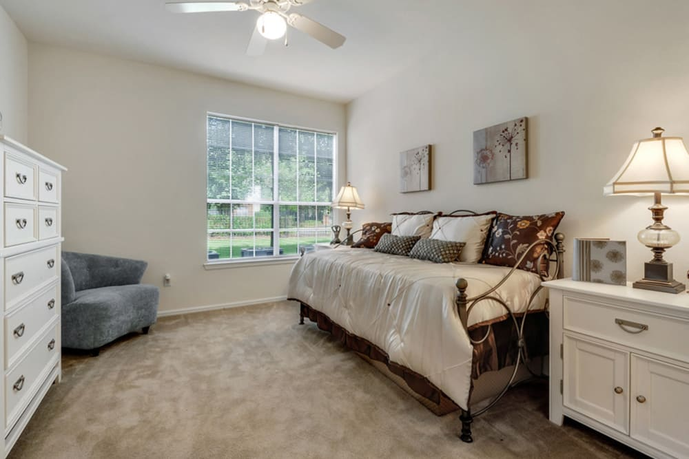 Couch bedroom at Plantation Apartments in Gulfport, Mississippi