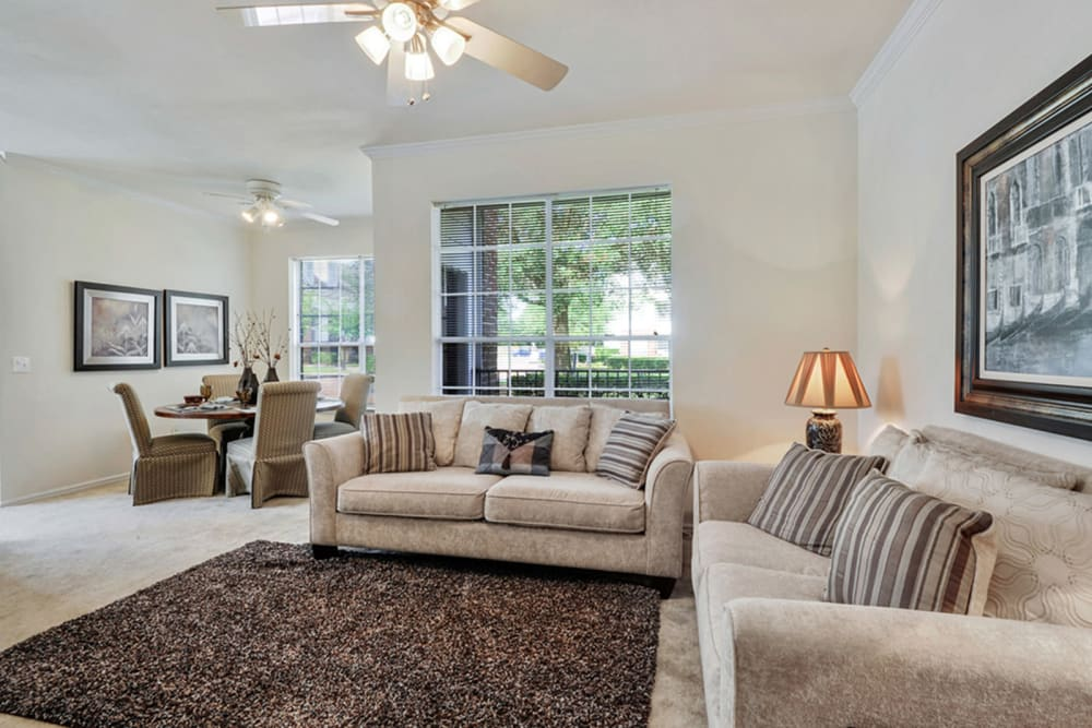 Plantation Apartments offers a living room in Gulfport, Mississippi