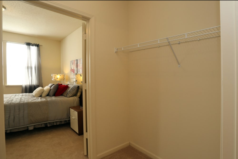 Our cozy apartments in Mobile, Alabama showcase a bedroom