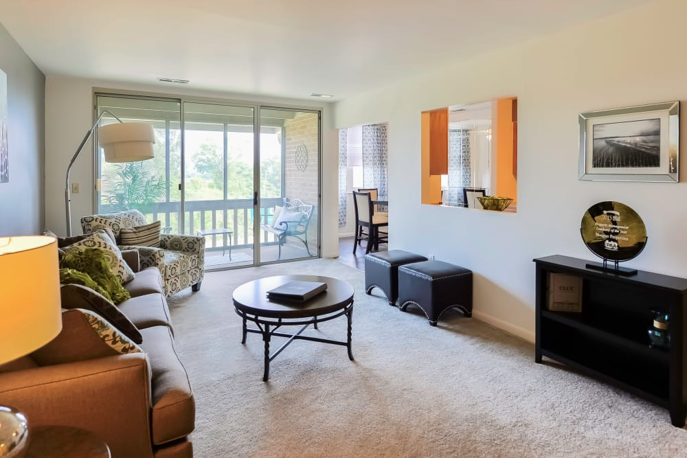 Living Room at Summit Pointe Apartment Homes in Scranton, PA
