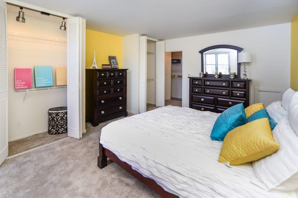 Bedroom at Summit Pointe Apartment Homes in Scranton, PA