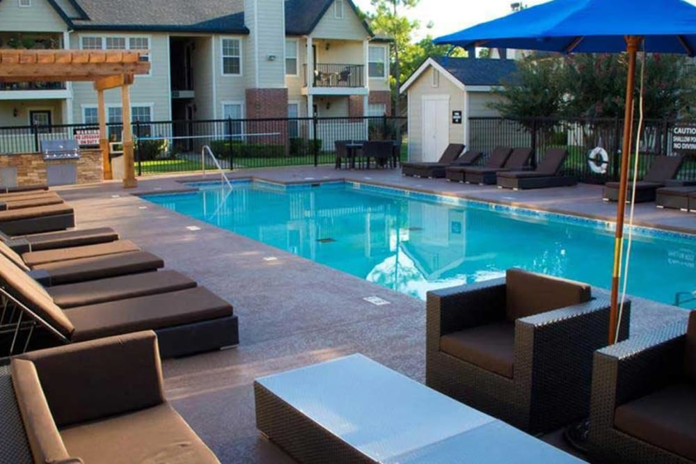 Sparkling pool at Villas at Countryside in Moore, Oklahoma
