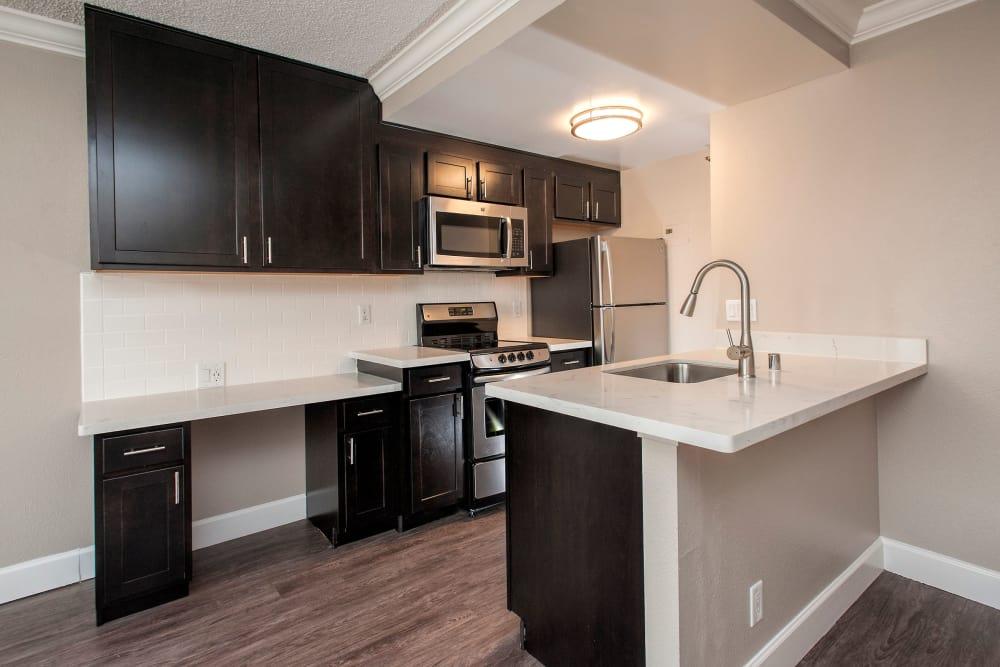 Our modern apartments at Tower 737 Condominium Rentals in San Francisco, California showcase a kitchen