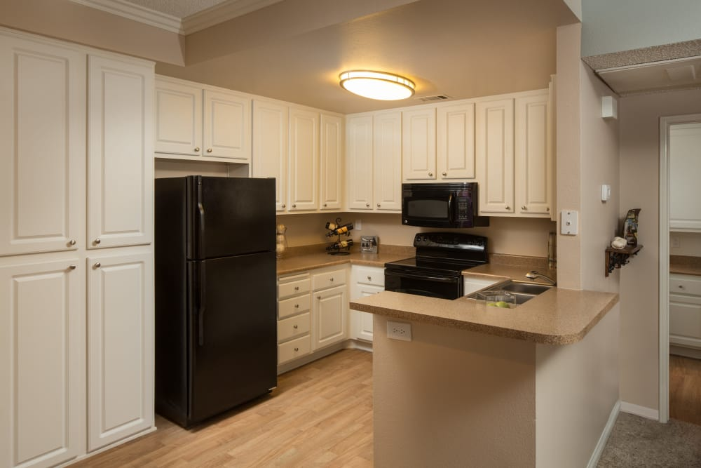 Fully equipped kitchen at Paloma Summit Condominium Rentals in Foothill Ranch, California