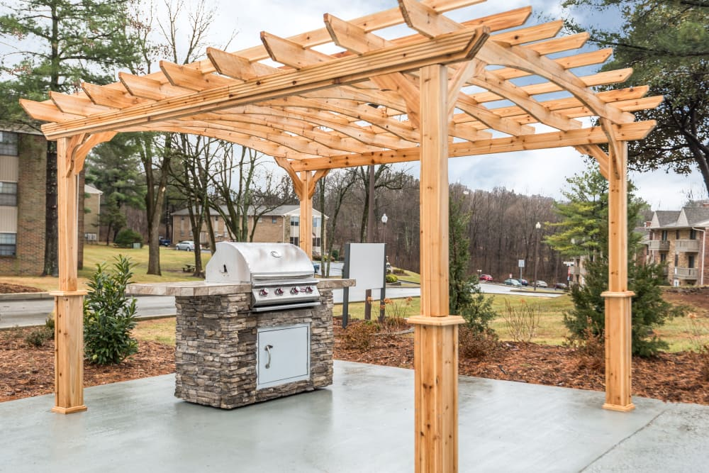 Grilling area at Park at Hurstbourne in Louisville, Kentucky