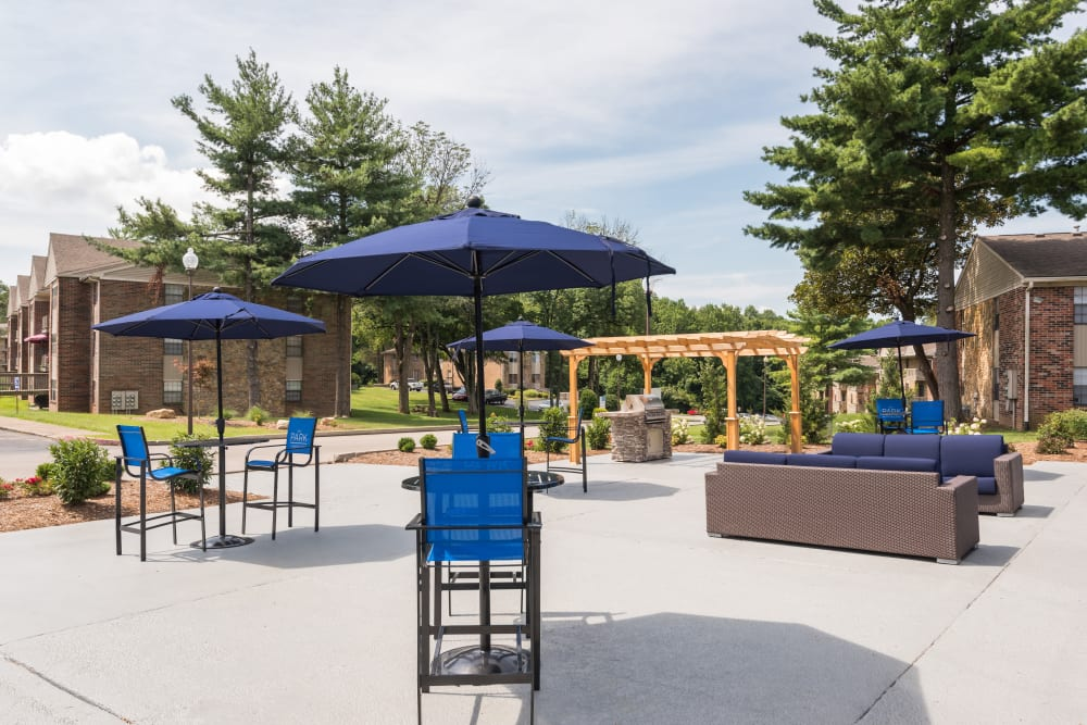 Outdoor lounge at Park at Hurstbourne in Louisville, Kentucky
