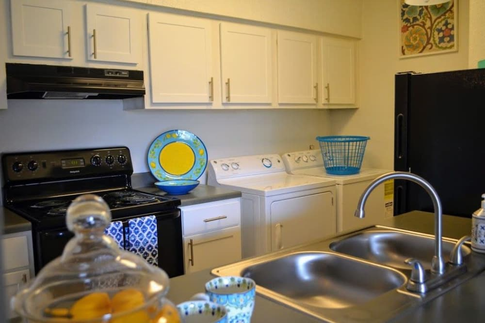 Fully equipped kitchen at Bayou Parc at Oak Forest in Houston, Texas