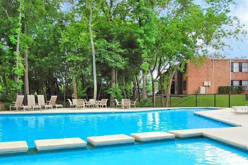 Modern swimming pool at Bayou Parc at Oak Forest in Houston, Texas