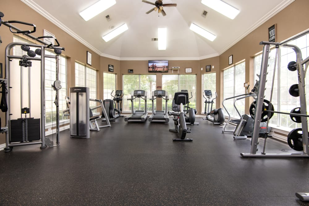 Fitness center at Ballantyne Apartments in Lewisville, Texas