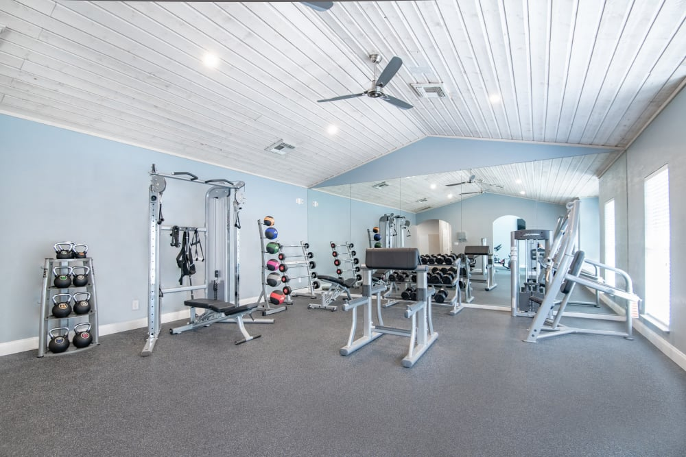Spacious fitness center at Rancho Palisades in Dallas, Texas.