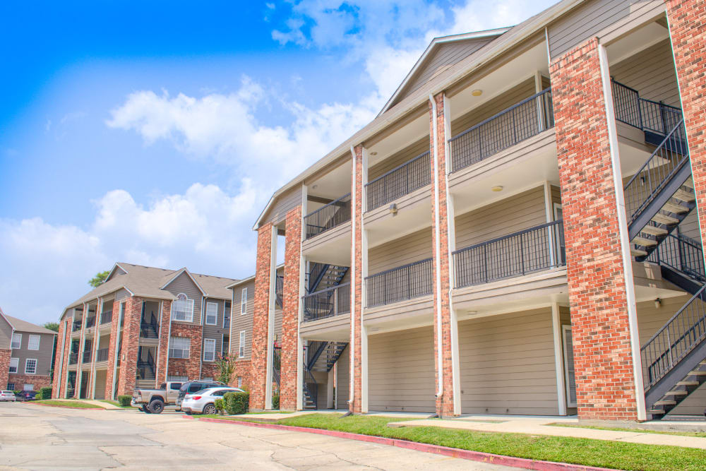 Exterior of The Lexington Apartment Homes in Biloxi, Mississippi