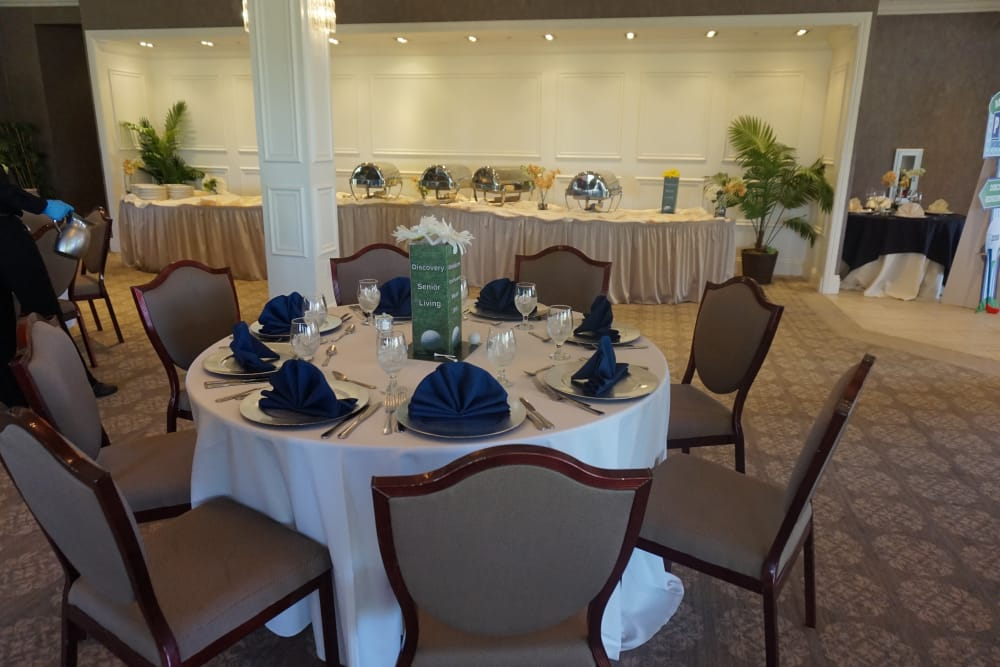 A table set up for dinner at Discovery Senior Living in Bonita Springs, Florida