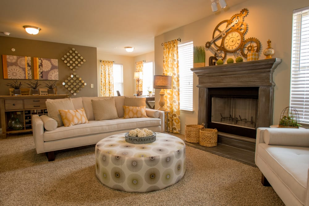 Luxury living room at Cascata Apartments in Tulsa, Oklahoma