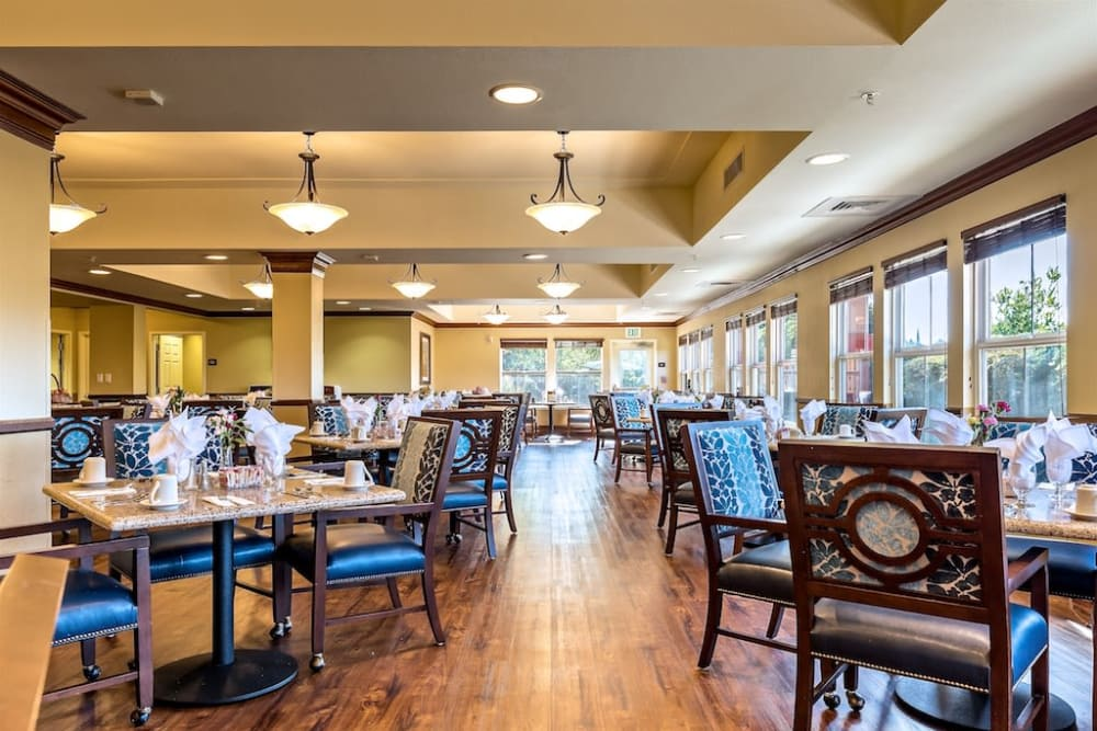 Large community dining area at Pacifica Senior Living Union City