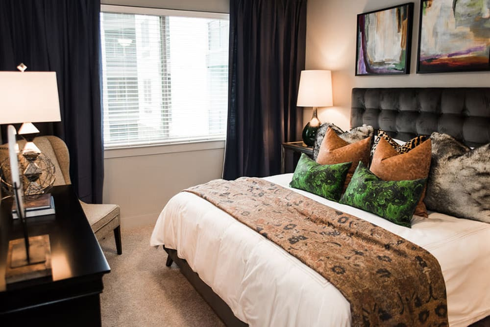 Newly renovated bedroom at Aura 5515 in Dallas, Texas