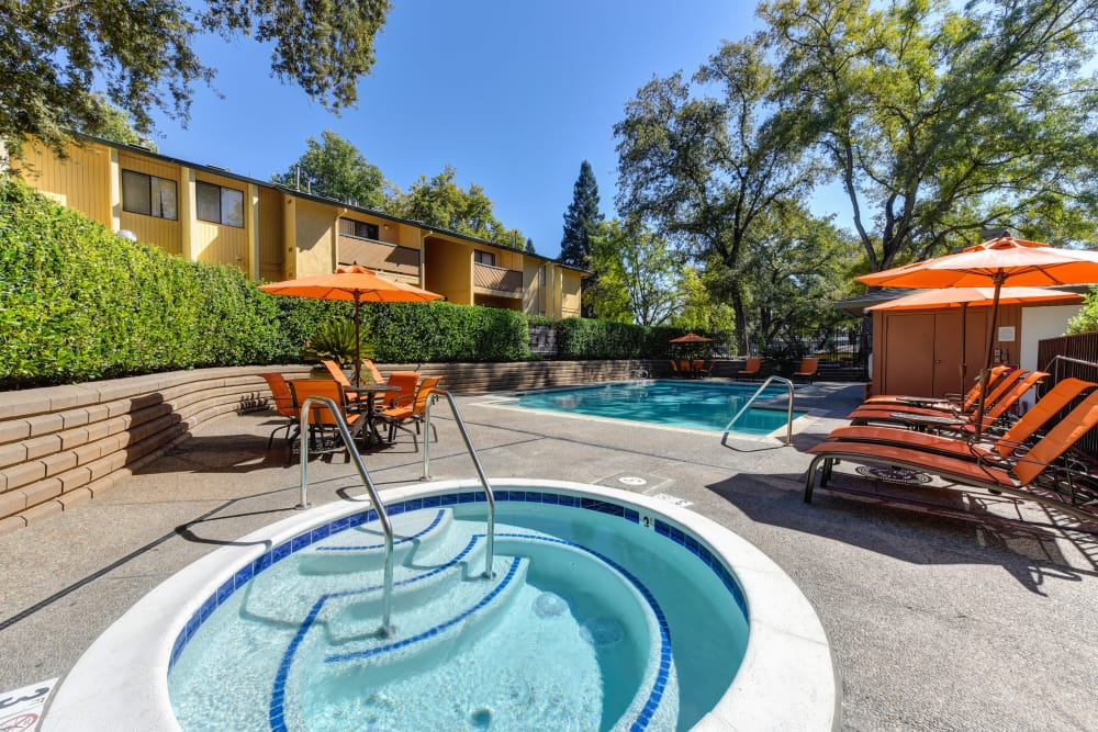 Spa and swimming pool at Folsom Gateway in Orangevale, California