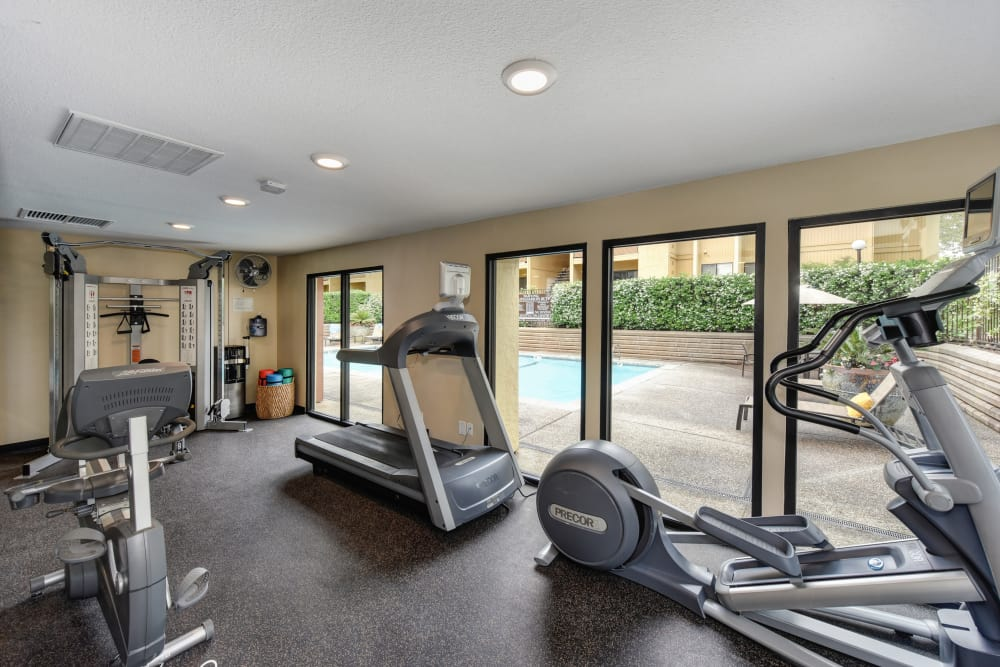 Enjoy our well-equipped fitness center at Folsom Gateway in Orangevale, California