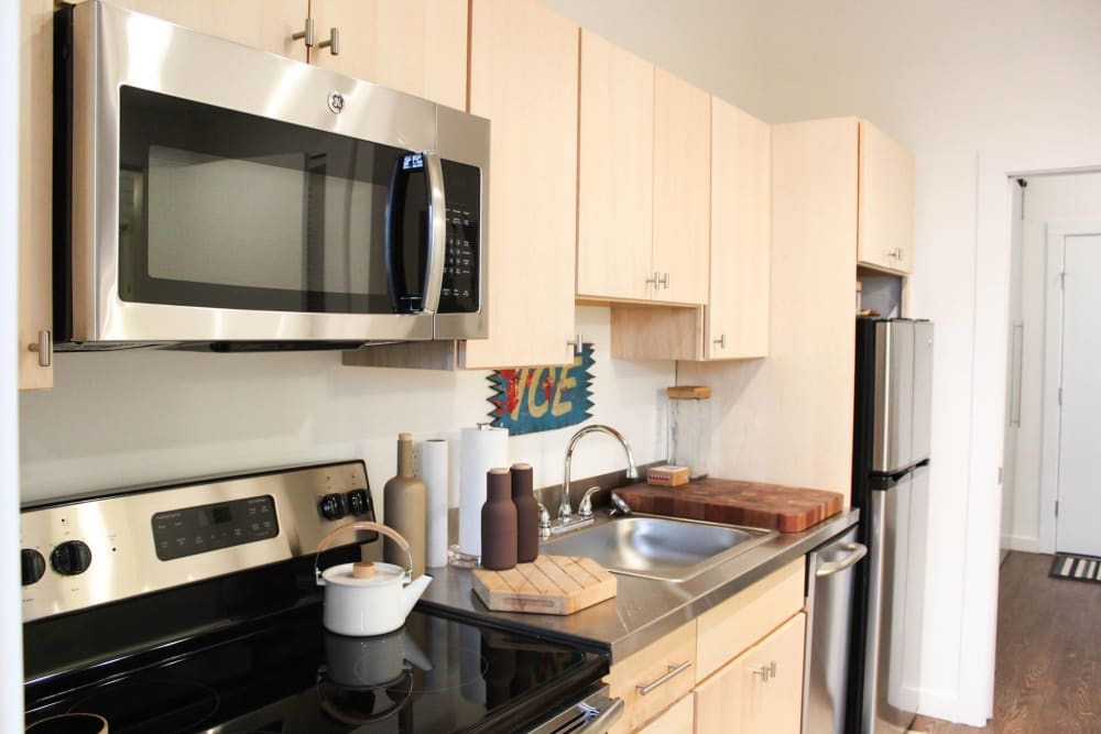 The Eastland offers a beautiful kitchen in Nashville, Tennessee