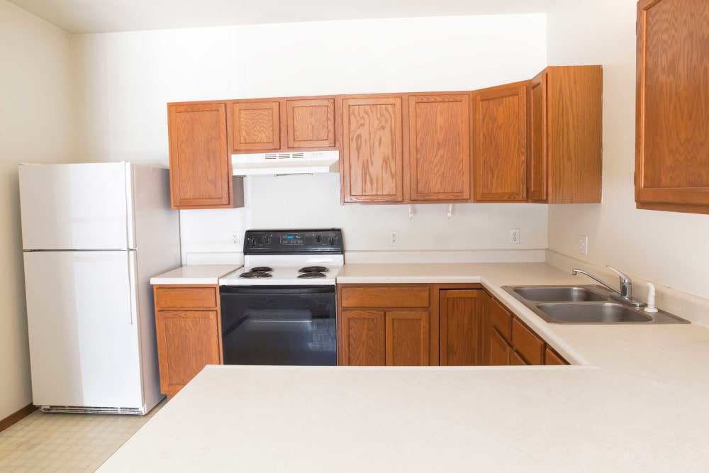 Apartment kitchen at Steinbeck & Twain in Ames, Iowa