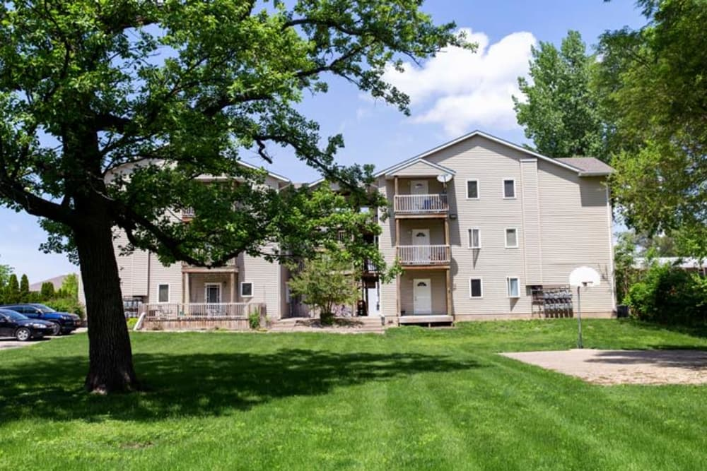 Apartment exterior of Stone Court in Ames, Iowa