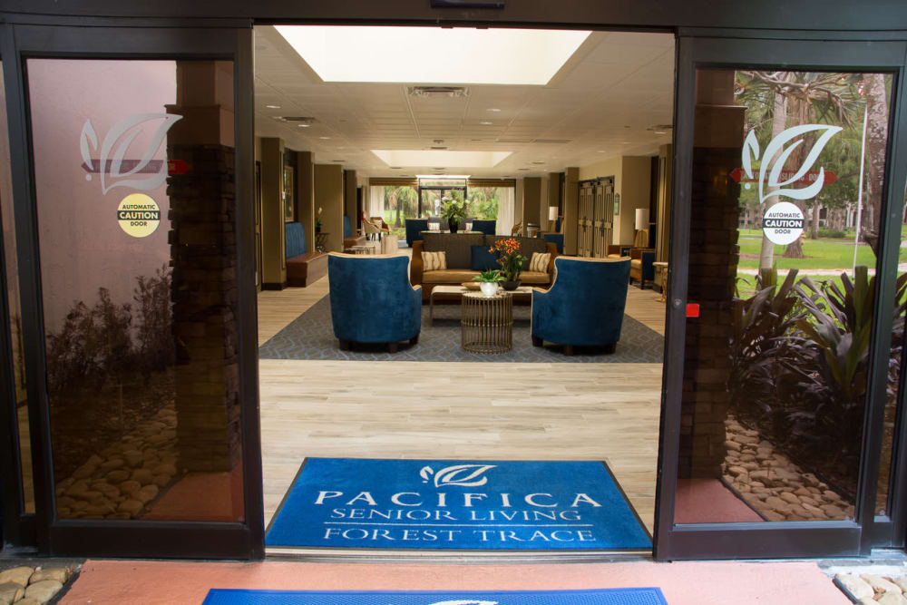 Front entrance at Pacifica Senior Living Forest Trace in Lauderhill, Florida