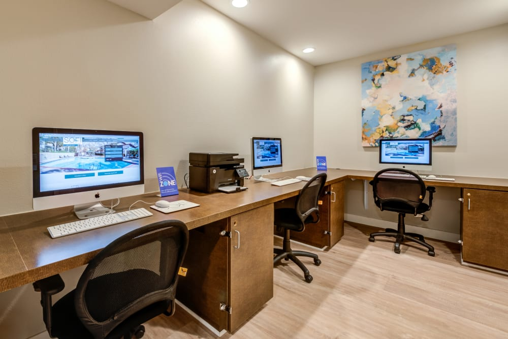 Business Center at Sofi Thousand Oaks in Thousand Oaks, CA