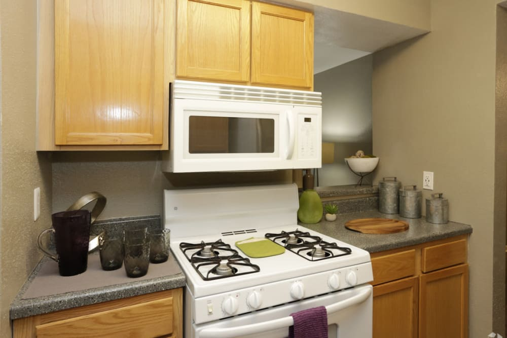 EnVue Apartments offers a well-equipped kitchen in Bryan, Texas