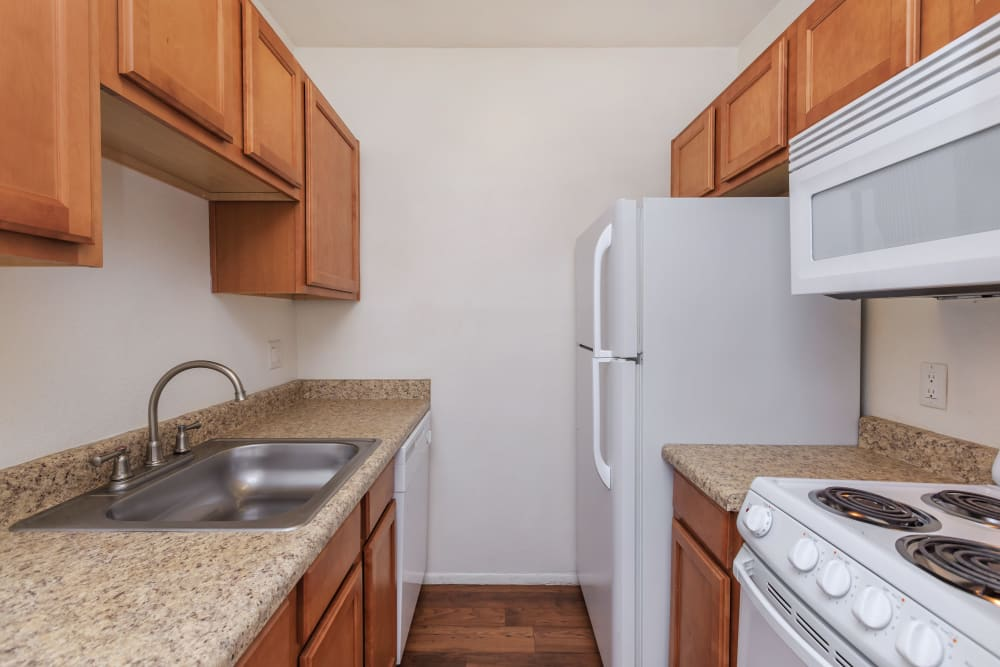 Fully equipped kitchen at Verde Apartments in Tucson, Arizona