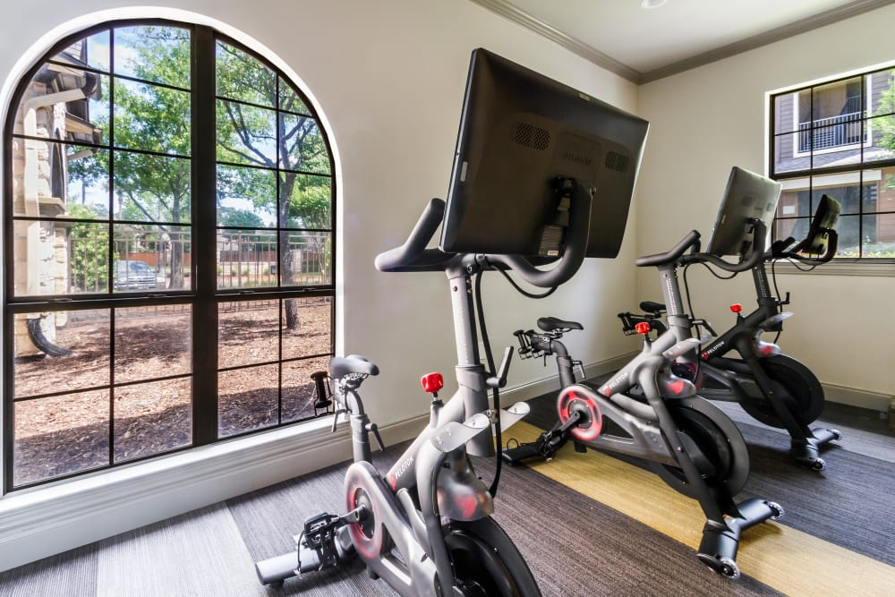 Legacy at Cypress showcases a well-equipped fitness center in Cypress, Texas