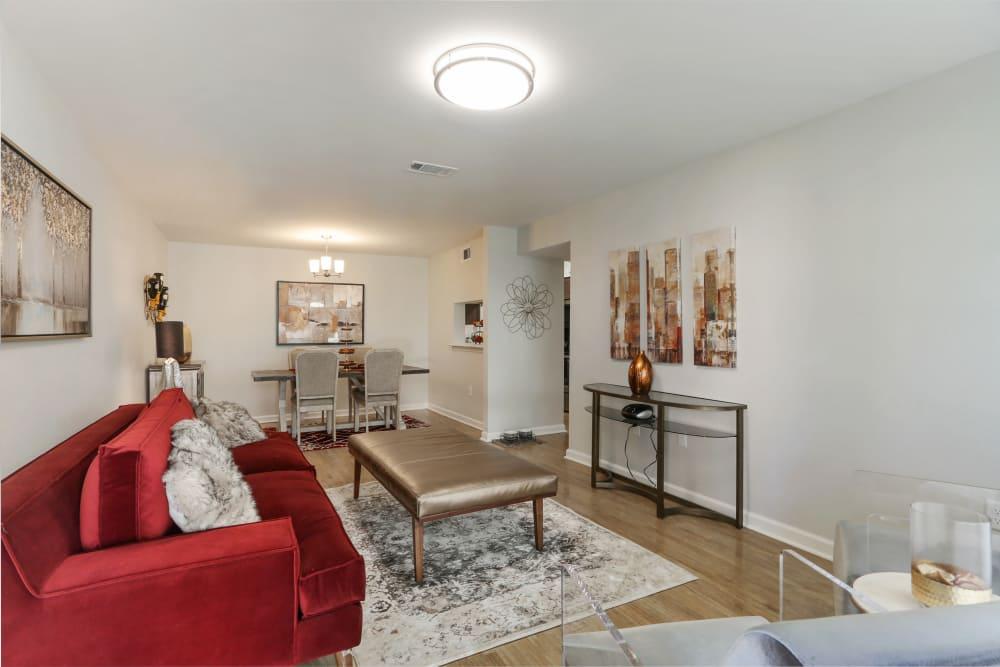 Algiers New Orleans, LA Apartments | The Mayfair Apartment ...