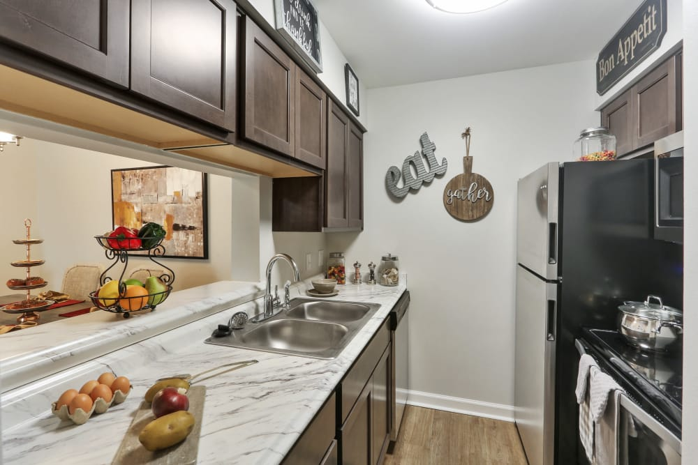 Example kitchen at The Mayfair Apartment Homes