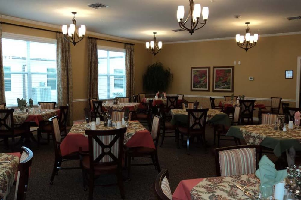 Dining room at Grace Manor Assisted Living in Nashville, Tennessee