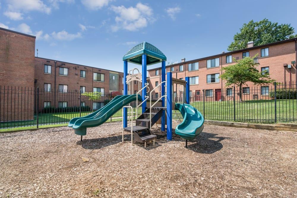 Playground at Meadowbrook Run