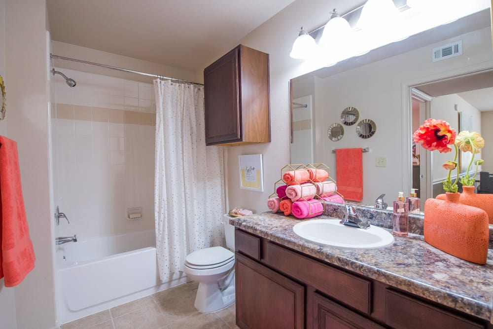 Large Bathroom at Fountain Lake in Edmond, Oklahoma