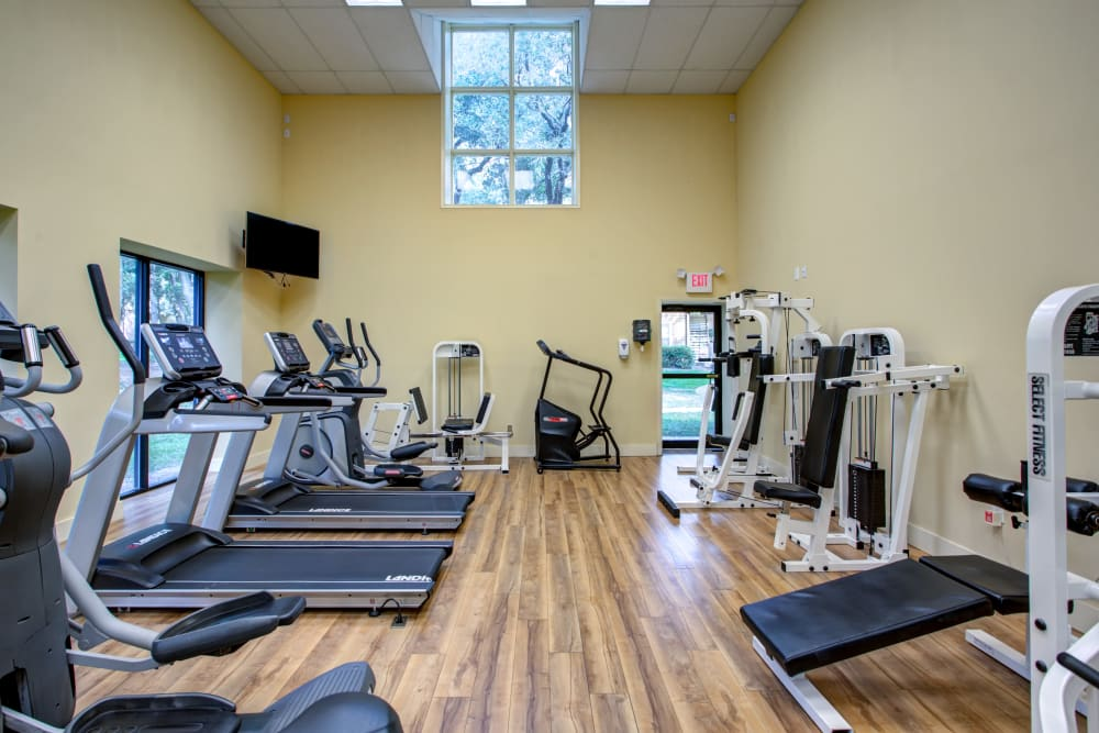 Well-equipped fitness center at IMT Newport Colony in Casselberry, Florida