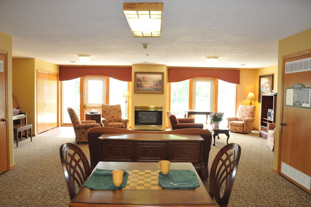 Memory care common area living room at The Glenn Buffalo in Buffalo, Minnesota