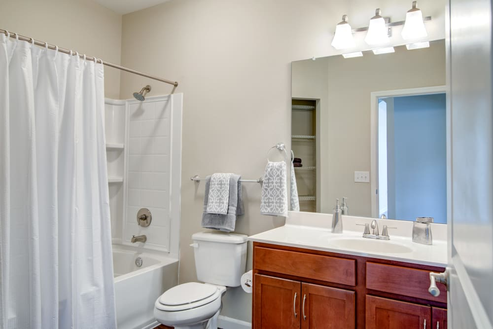 Our apartments in Hendersonville, Tennessee showcase a beautiful bathroom