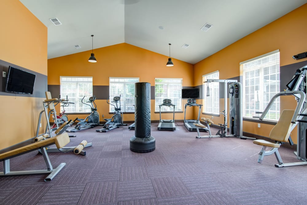 Cantare at Indian Lake Village offers a modern fitness center in Hendersonville, Tennessee